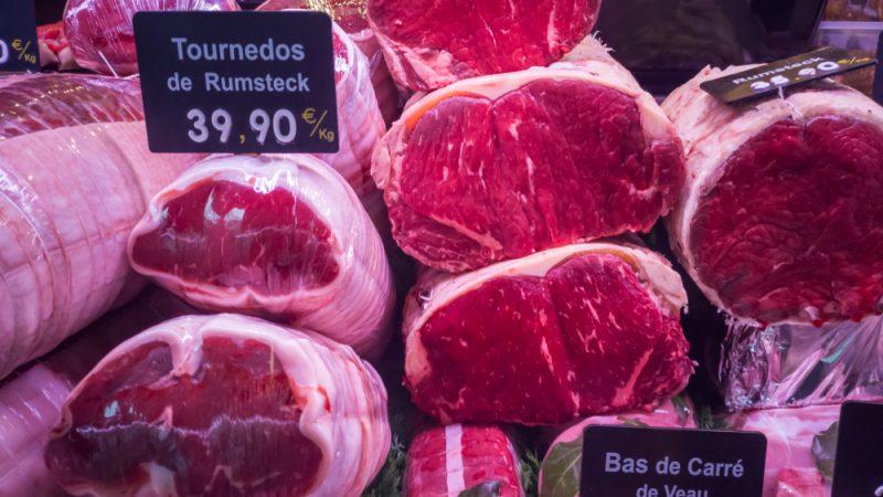 Legisladores europeos vuelven a la carga con un impuesto a la carne para cubrir el costo ambiental de la ganadería