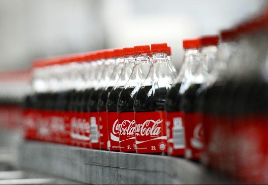Botellas de plástico compostable seducen a Carlsberg y Coca-Cola