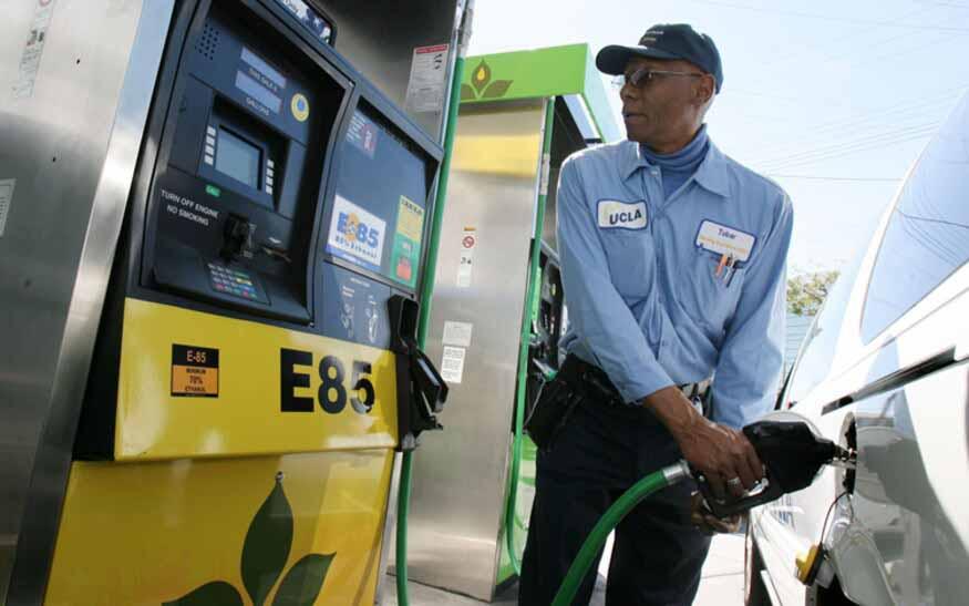 Estudio: motores calibrados para biocombustibles reducen emisiones, consumo de agua y el gasto en surtidor