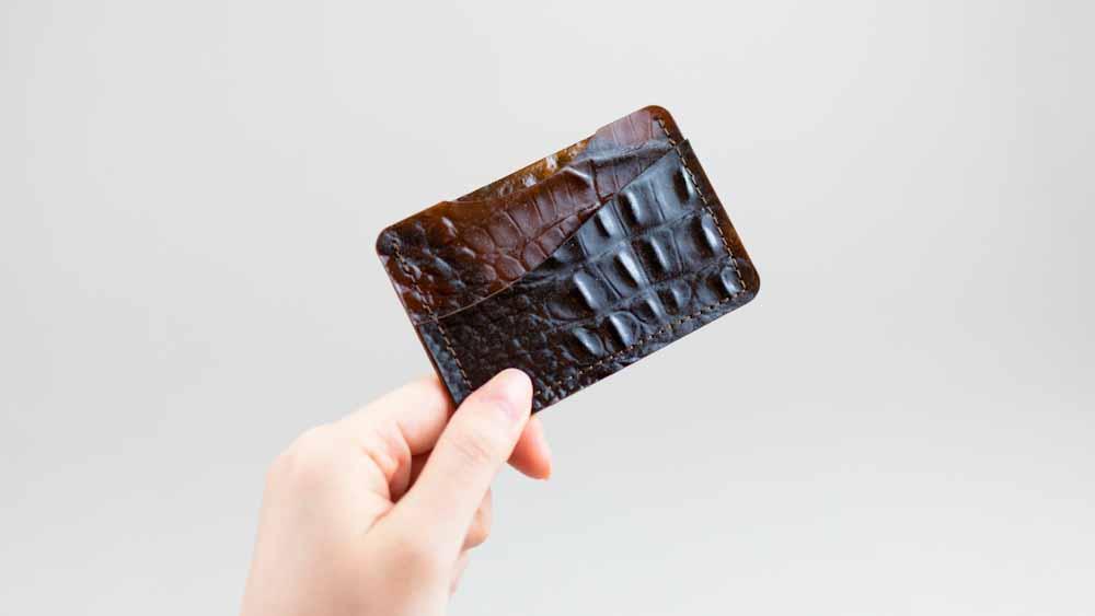 Tômtex, el cuero sustentable elaborado con residuos de mariscos y borras de café