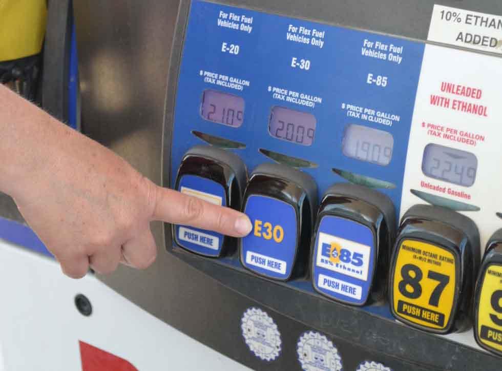 Estudio de La Universidad de Nebraska encuentra que utilizar mezclas de 30% etanol en autos convencionales no trae inconvenientes