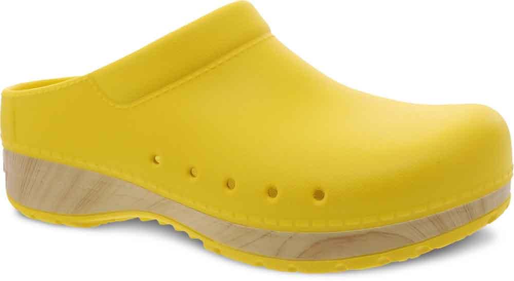 Dansko presentó un nuevo calzado elaborado con el material biológico derivado de caña de azúcar de Braskem