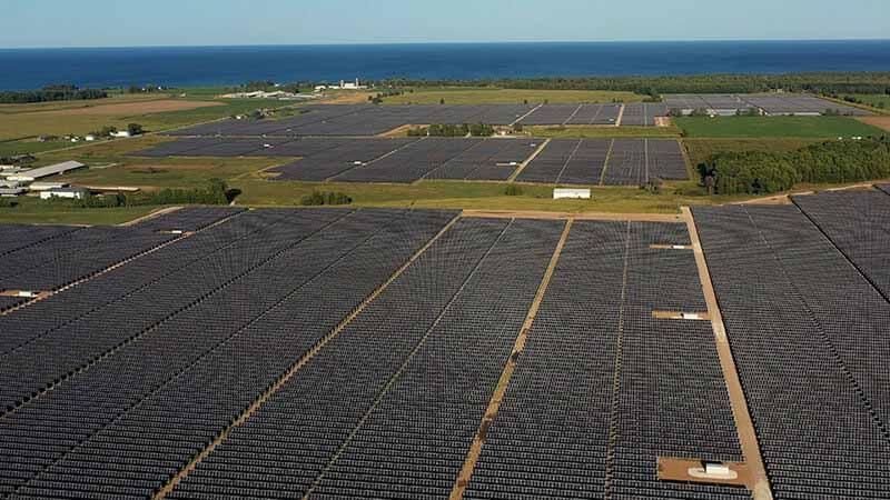 Agricultores de Iowa reclaman contra un mega-proyecto de energía solar