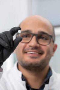 Biomimética inspirados en los apéndices del camarón mantis científicos crean un nuevo biomaterial ultraresistente ideal para implantes dentales - 2