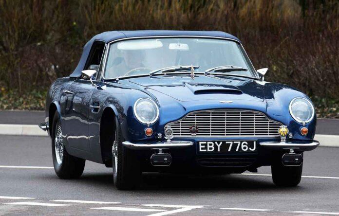 El príncipe Carlos impulsa su icónico Aston Martin con biocombustible