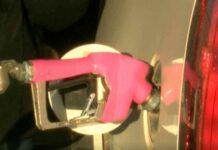 'Fuel the Cure': la iniciativa para apoyar la investigación contra el cáncer de mamas cargando etanol